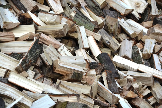 Utilisez du bois de chauffage fendu