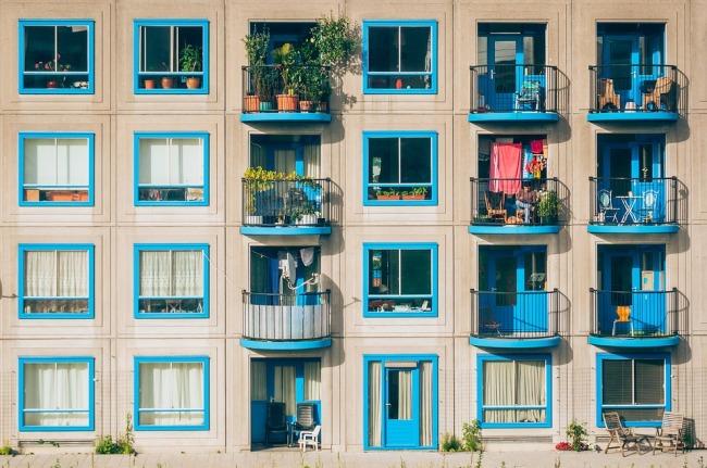 Chauffage d'appartement : choisir entre un radiateur, un poêle à bois ou une chaudière