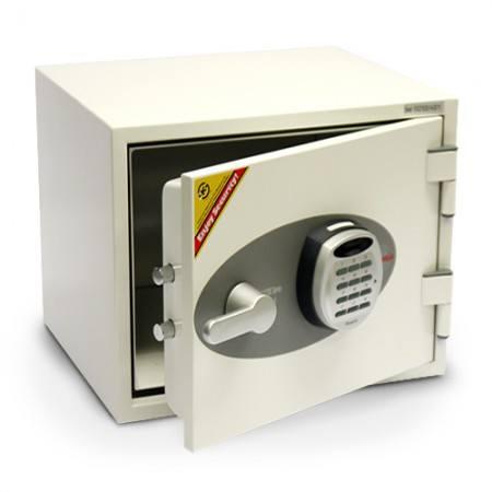 Un coffre-fort classique présente bon nombre d'avantages par rapport à un livre coffre-fort